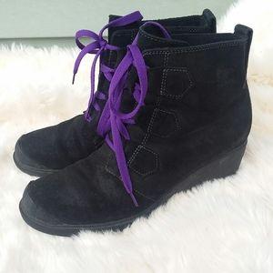 Sorel suede black boots sz 9